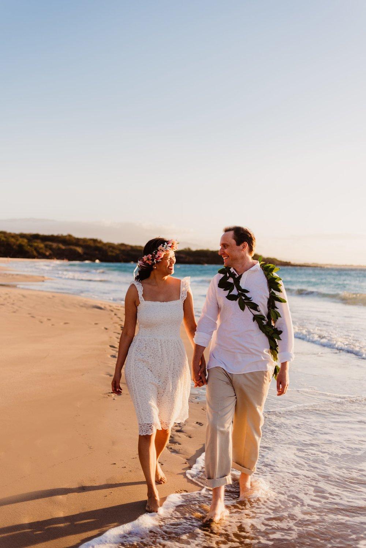 Waikoloa-Engagement-Photographer-Big-Island-Beach-Sunser-03.jpg