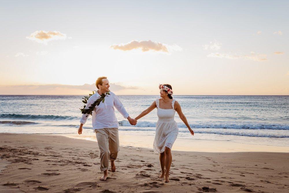 Waikoloa-Engagement-Photographer-Big-Island-Beach-Sunser-08.jpg