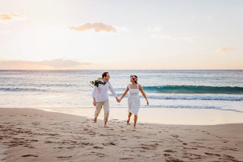 Waikoloa-Engagement-Photographer-Big-Island-Beach-Sunser-07.jpg