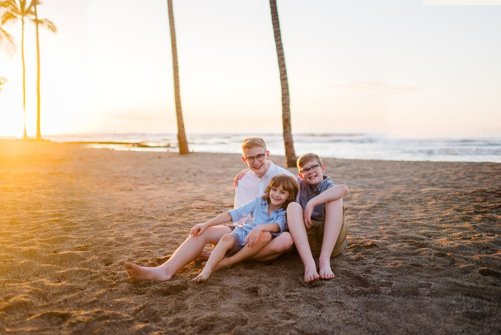Mother-Son-Photo-Session-Hawaii-Sunset-05.jpg