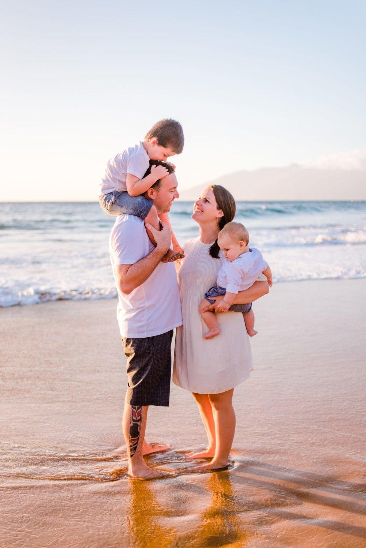 Four-Seasons-Maui-Wailea-Family-Photographer-05.jpg