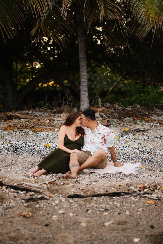 Puako-Sunrise-Babymoon-Photographer-Hawaii-04.jpg
