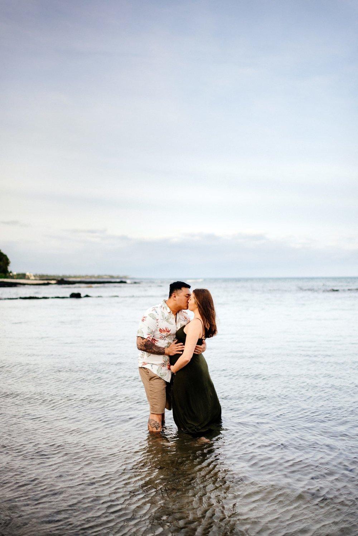 Puako-Sunrise-Babymoon-Photographer-Hawaii-14.jpg