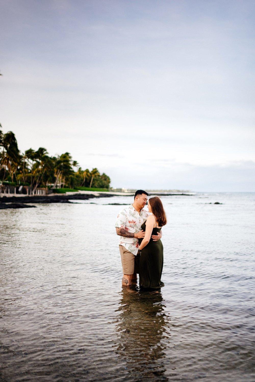 Puako-Sunrise-Babymoon-Photographer-Hawaii-15.jpg