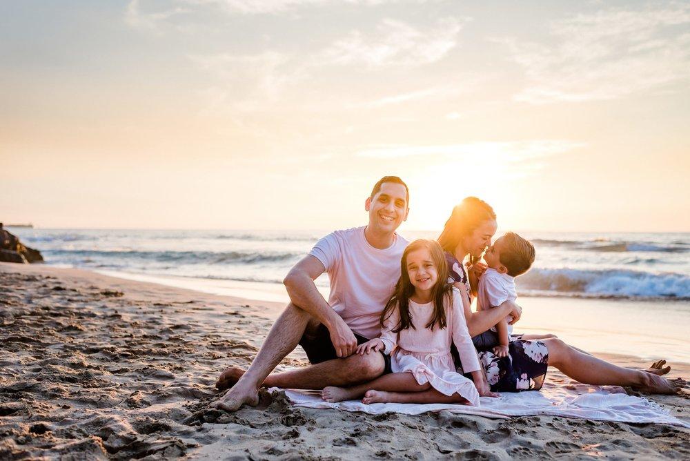 Waikoloa-Hawaii-Family-Photographer-Beach-07.jpg