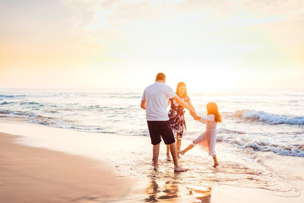 Waikoloa-Hawaii-Family-Photographer-Beach-10.jpg