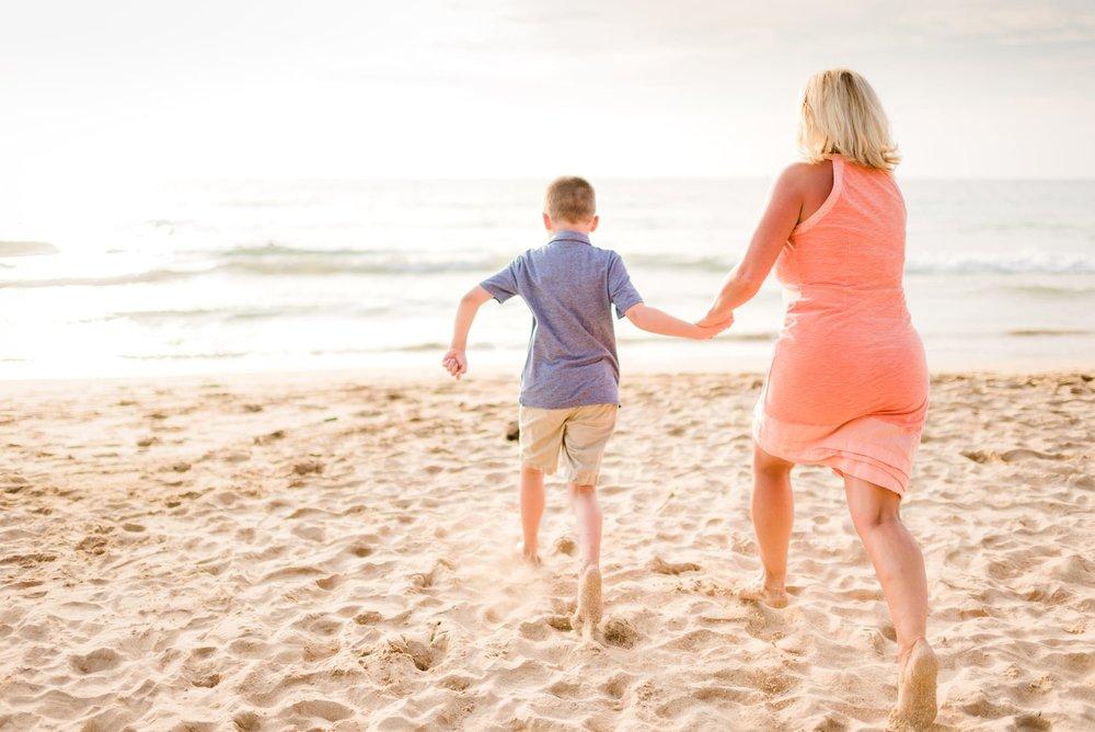 Kohala-Coast-Hawaii-Family-Photographer-Beach-03.jpg