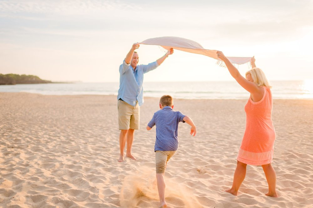 Kohala-Coast-Hawaii-Family-Photographer-Beach-14.jpg