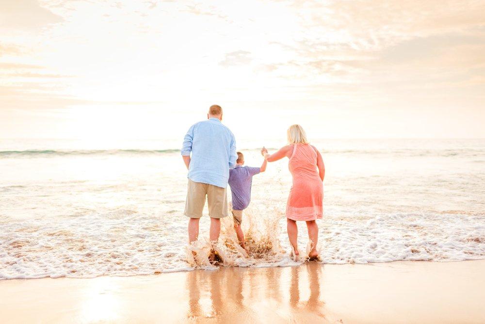 Kohala-Coast-Hawaii-Family-Photographer-Beach-19.jpg