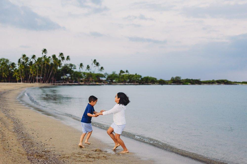Waikoloa-Beach-Sunrise-Family-Photographer1-1.jpg