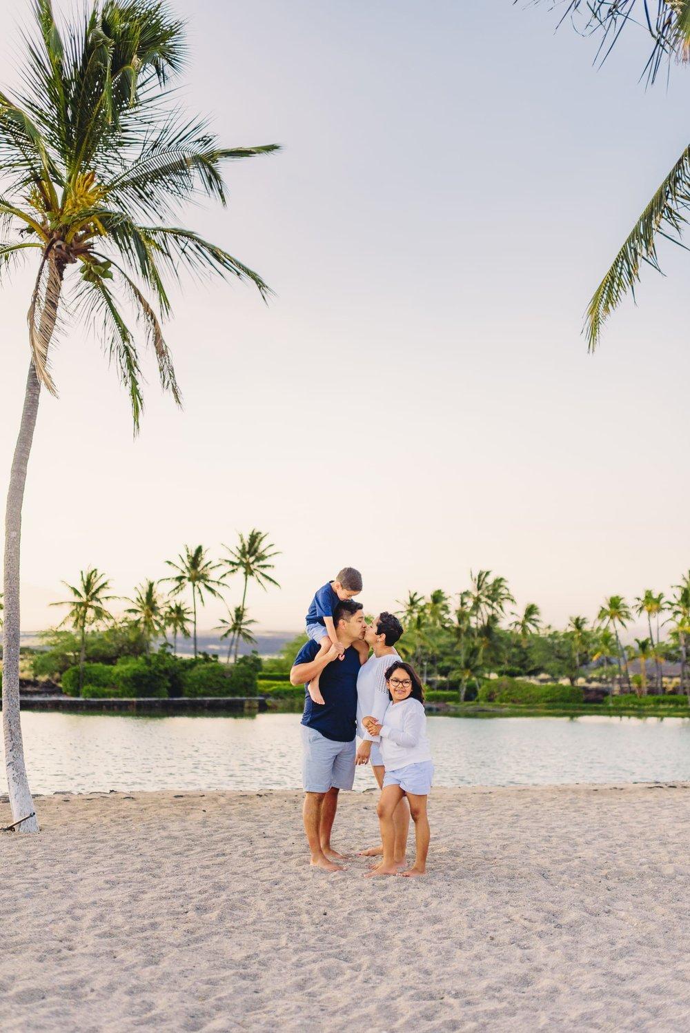 Waikoloa-Beach-Sunrise-Family-Photographer5-1.jpg