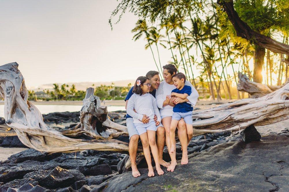 Waikoloa-Beach-Sunrise-Family-Photographer10-1.jpg