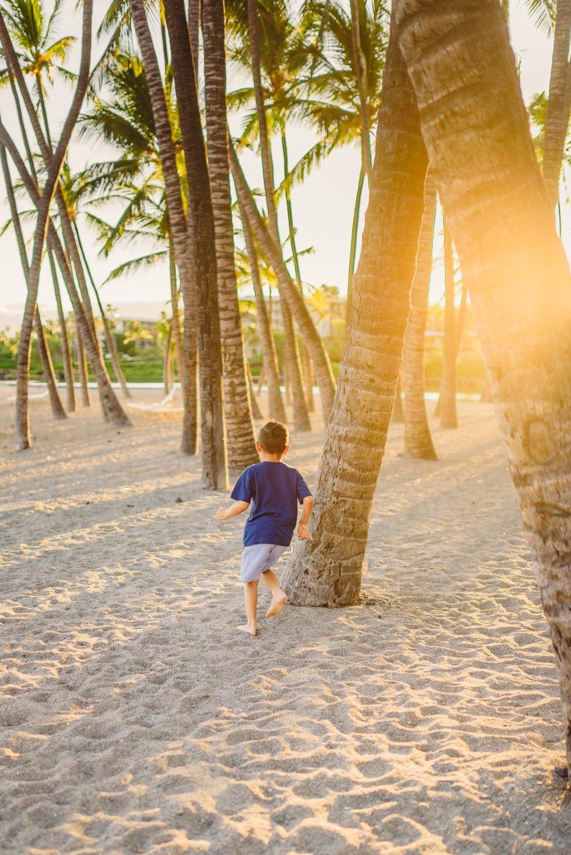 Waikoloa-Beach-Sunrise-Family-Photographer11-1.jpg
