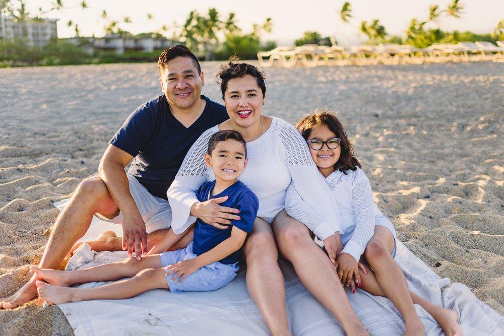 Waikoloa-Beach-Sunrise-Family-Photographer16-1.jpg