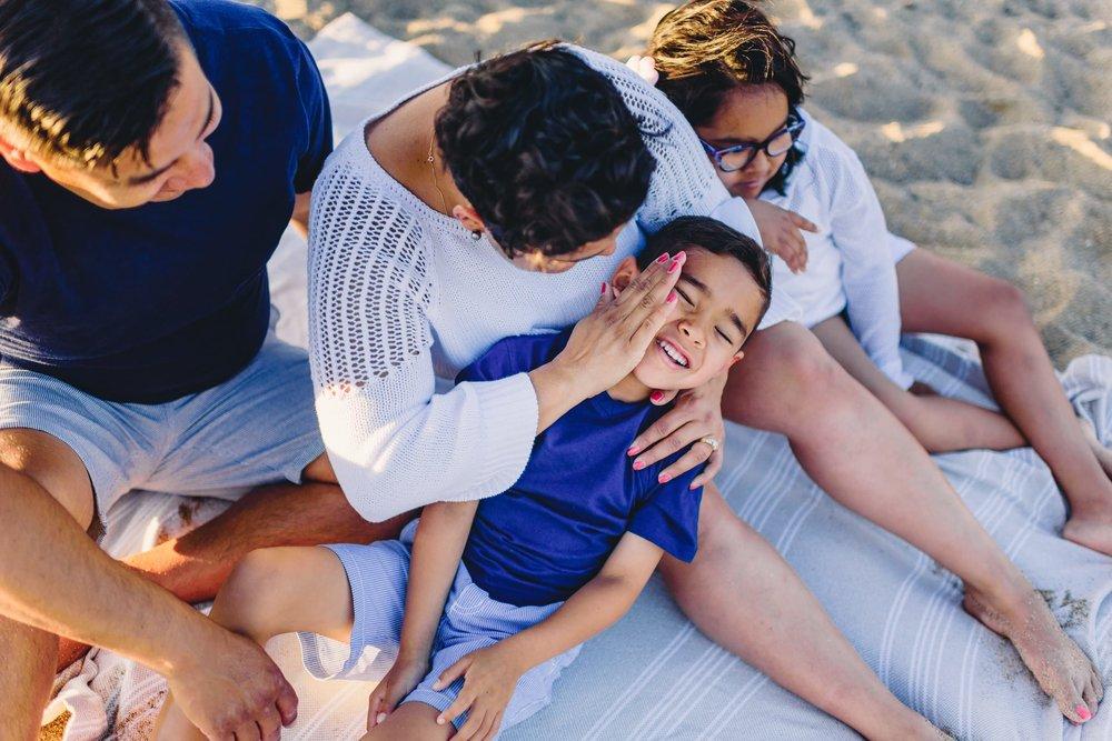 Waikoloa-Beach-Sunrise-Family-Photographer17-1.jpg
