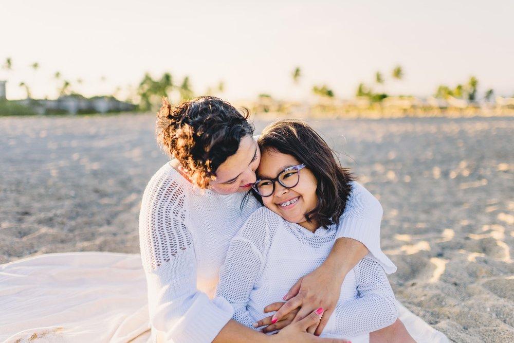 Waikoloa-Beach-Sunrise-Family-Photographer19-1.jpg