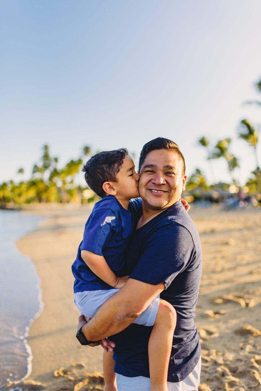 Waikoloa-Beach-Sunrise-Family-Photographer20-1.jpg
