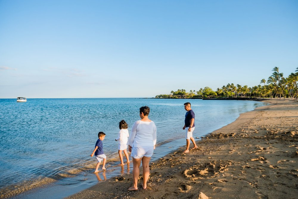 Waikoloa-Beach-Sunrise-Family-Photographer21-1.jpg