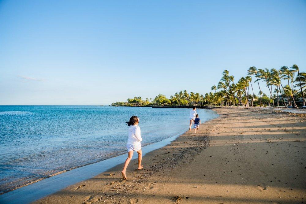 Waikoloa-Beach-Sunrise-Family-Photographer22-1.jpg