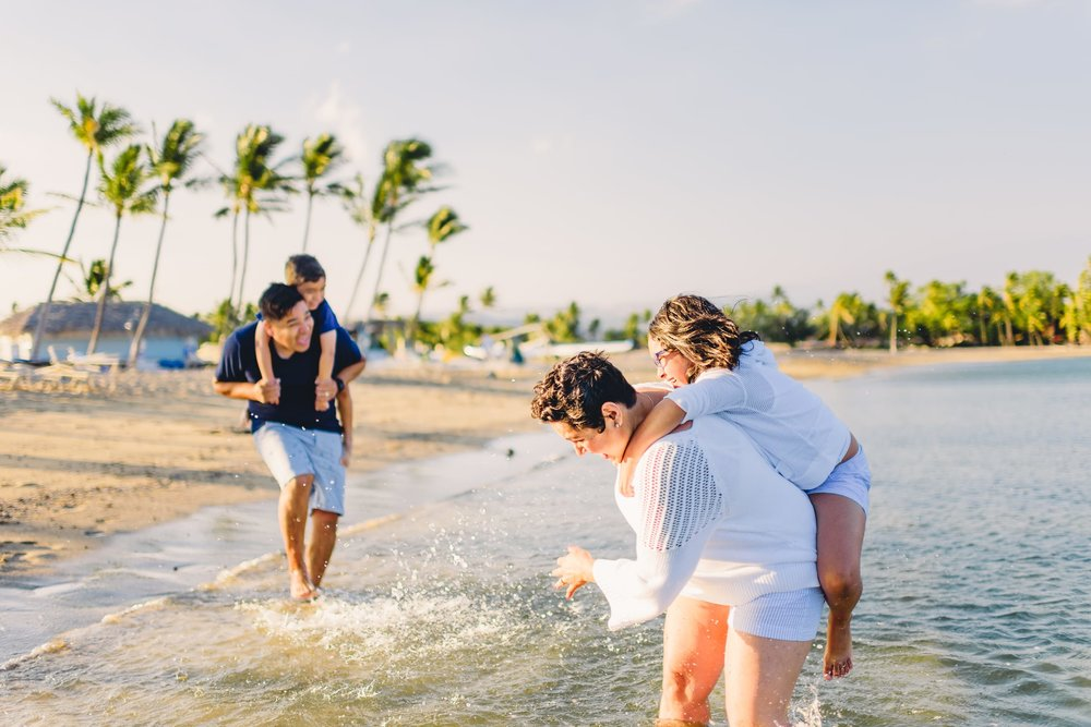 Waikoloa-Beach-Sunrise-Family-Photographer23-1.jpg