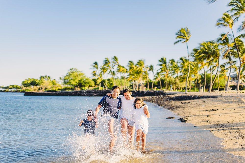 Waikoloa-Beach-Sunrise-Family-Photographer24-1.jpg