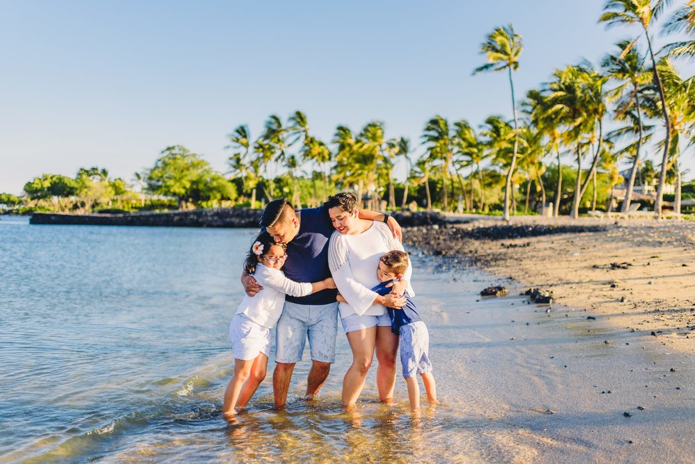 Waikoloa-Beach-Sunrise-Family-Photographer26-1.jpg