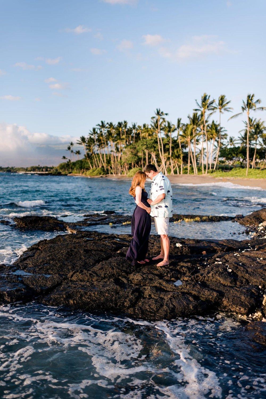 Hawaii-Beach-Maternity-Photographer20.jpg