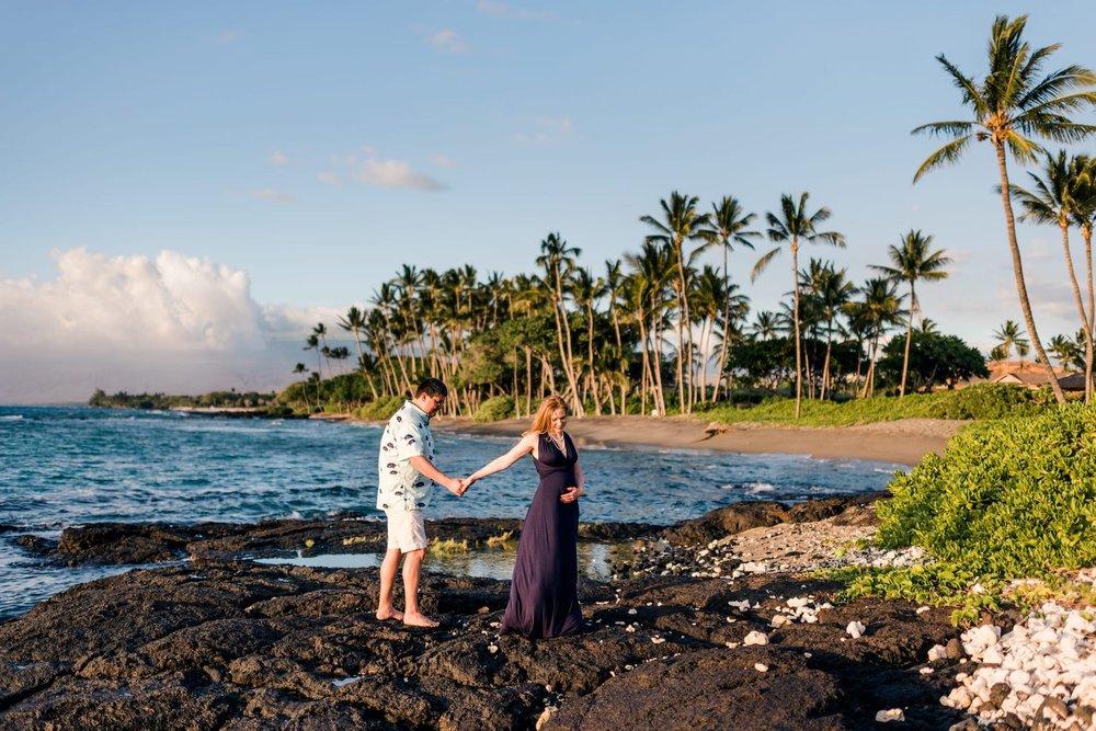 Hawaii-Beach-Maternity-Photographer32.jpg