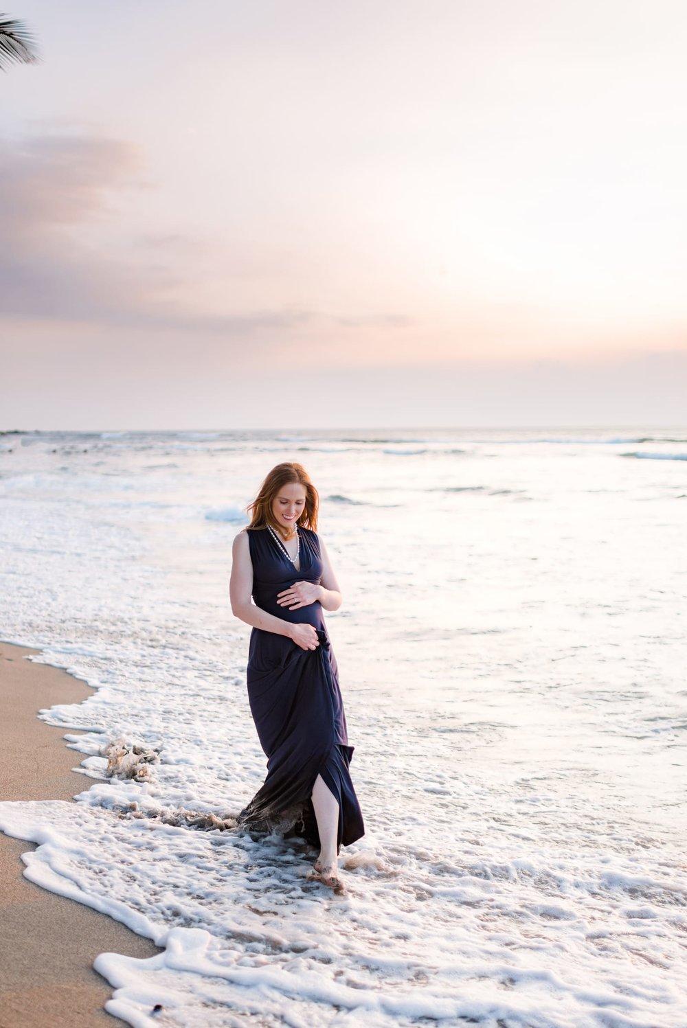 Hawaii-Beach-Maternity-Photographer52.jpg