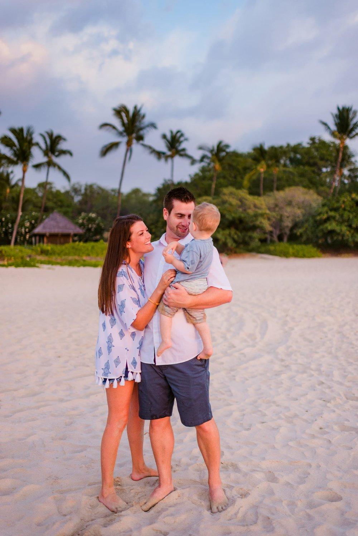 Mauna-Kea-Hotel-Family-Photographer-17-1.jpg