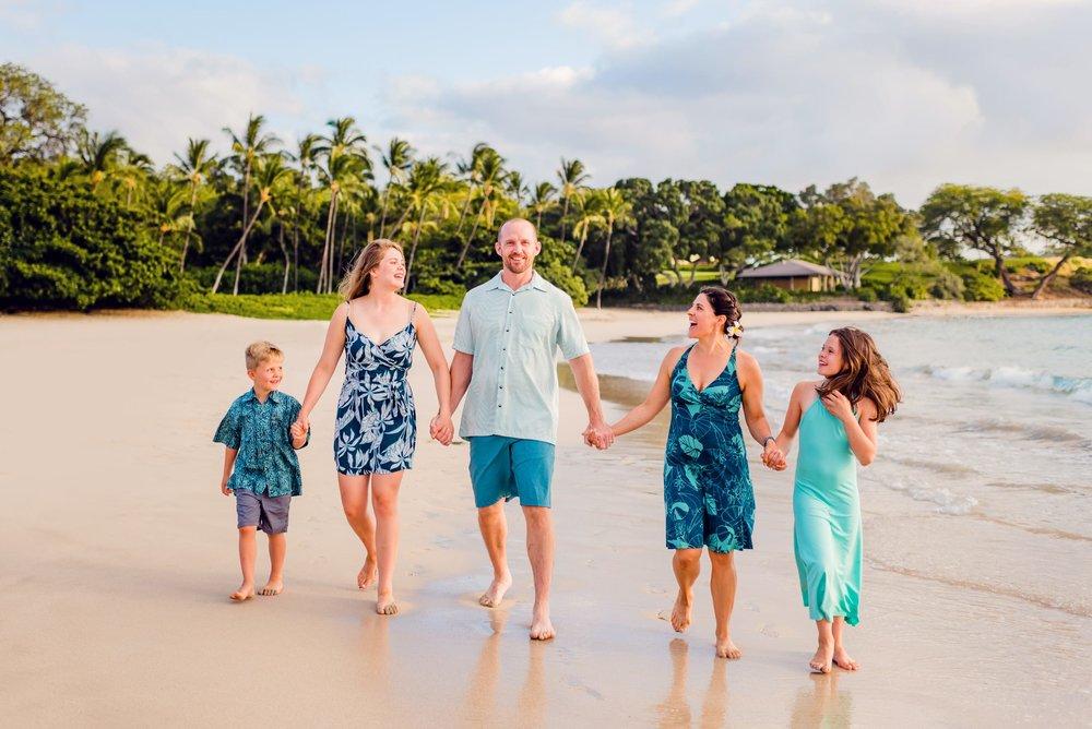Mauna-Kea-Beach-Family-Photographer-Hawaii14-1.jpg