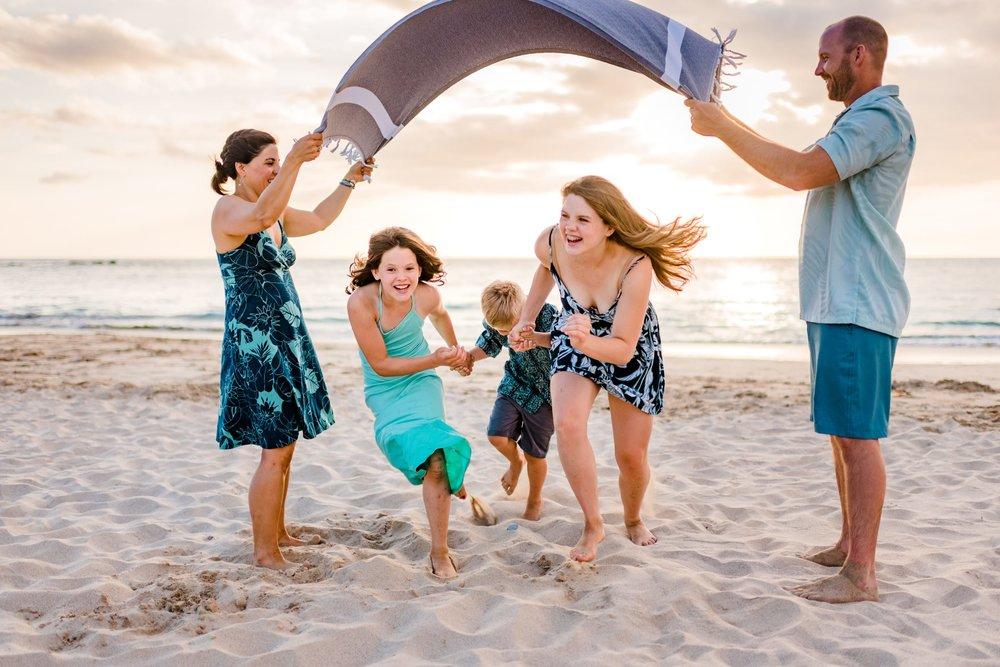 Mauna-Kea-Beach-Family-Photographer-Hawaii41-1.jpg