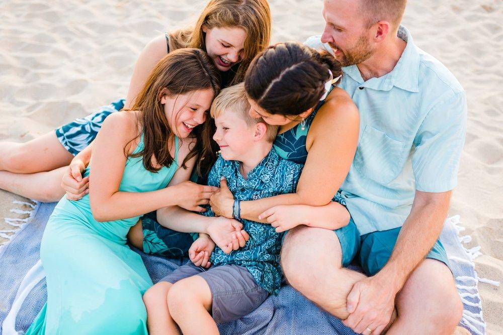 Mauna-Kea-Beach-Family-Photographer-Hawaii48-1.jpg