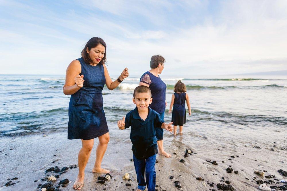 Mauna-Kea-Beach-Family-Photographer-Hawaii62-1.jpg
