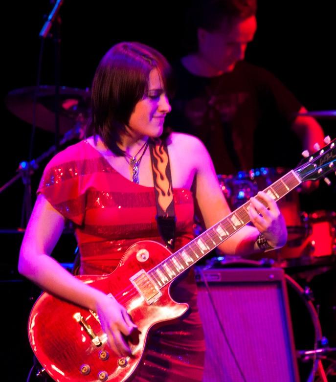 guitar.red.jpg