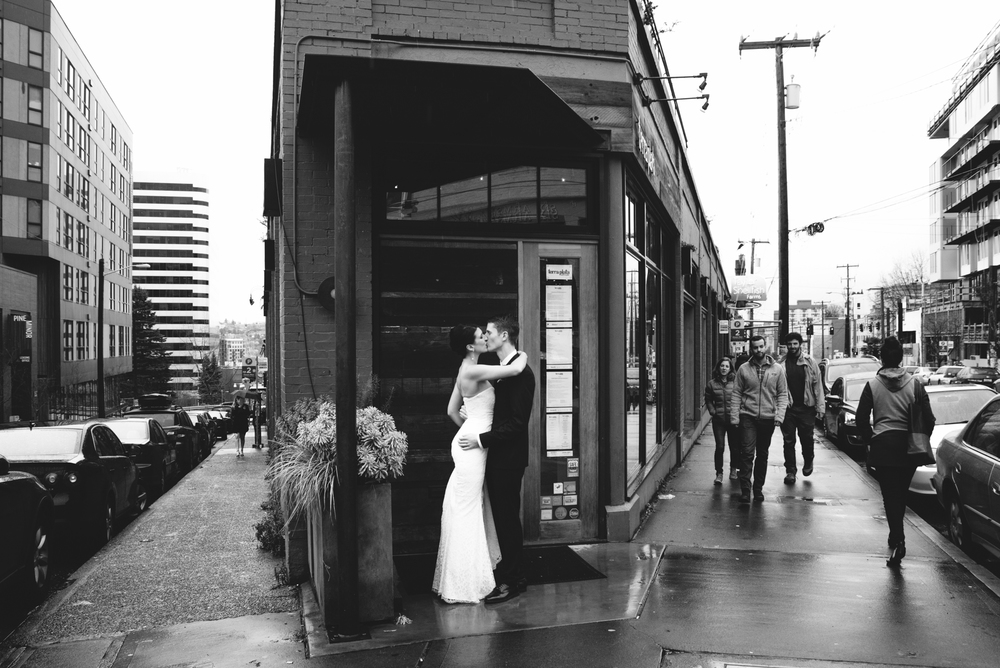 20160117_AmberZbitnoffPhotography_BG_MelroseMarketWedding_blog019_02411920web.jpg