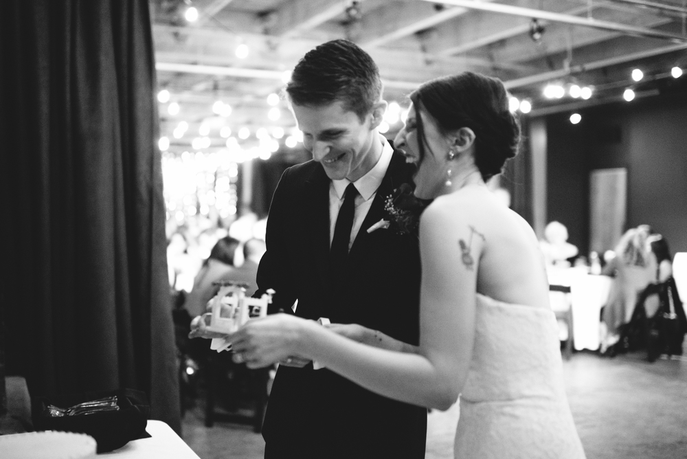 20160117_AmberZbitnoffPhotography_BG_MelroseMarketWedding_blog071_11321920web.jpg