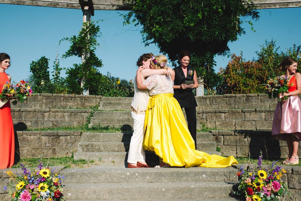 20160730_AmberZbitnoffPhotography_SeattleWedding_Hangar30LK_053_1186_2200blog.jpg