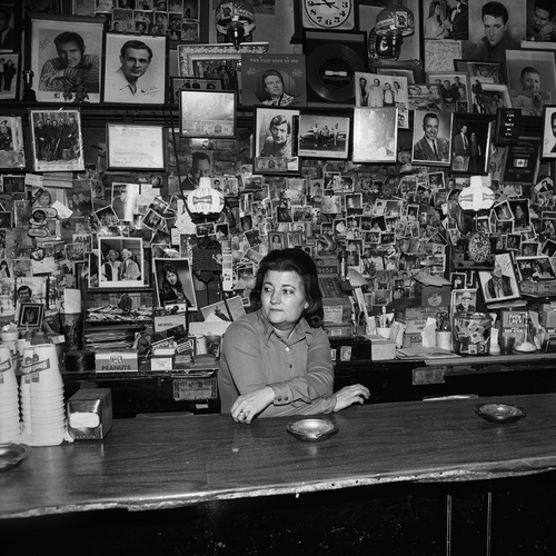 Wanda Behind the Bar, Tootsie's Orchid Lounge, Nashville, TN, 1974