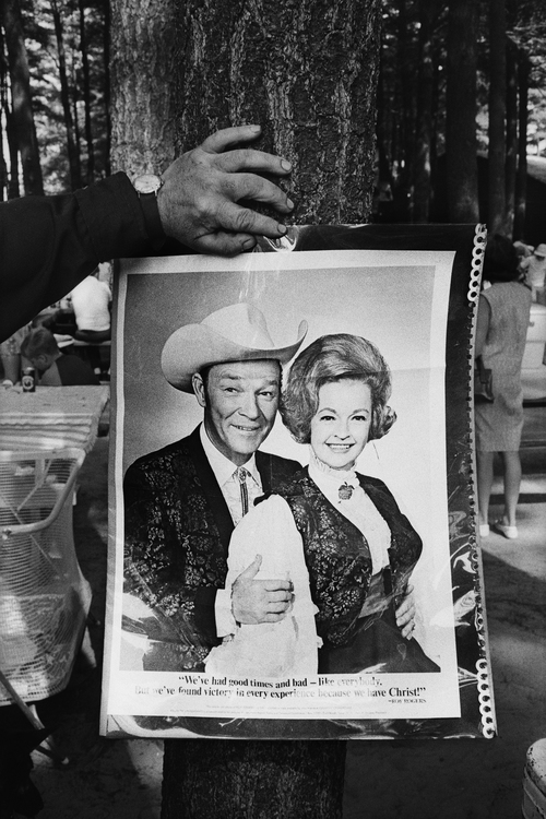 Fan with Roy Rogers and Dale Evans Photograph, Lone Star Ranch, Reeds Ferry, NH, 1973