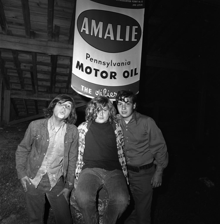 Boys and Amalie Oil, Thompson Speedway, Thompson, CT, 1972
