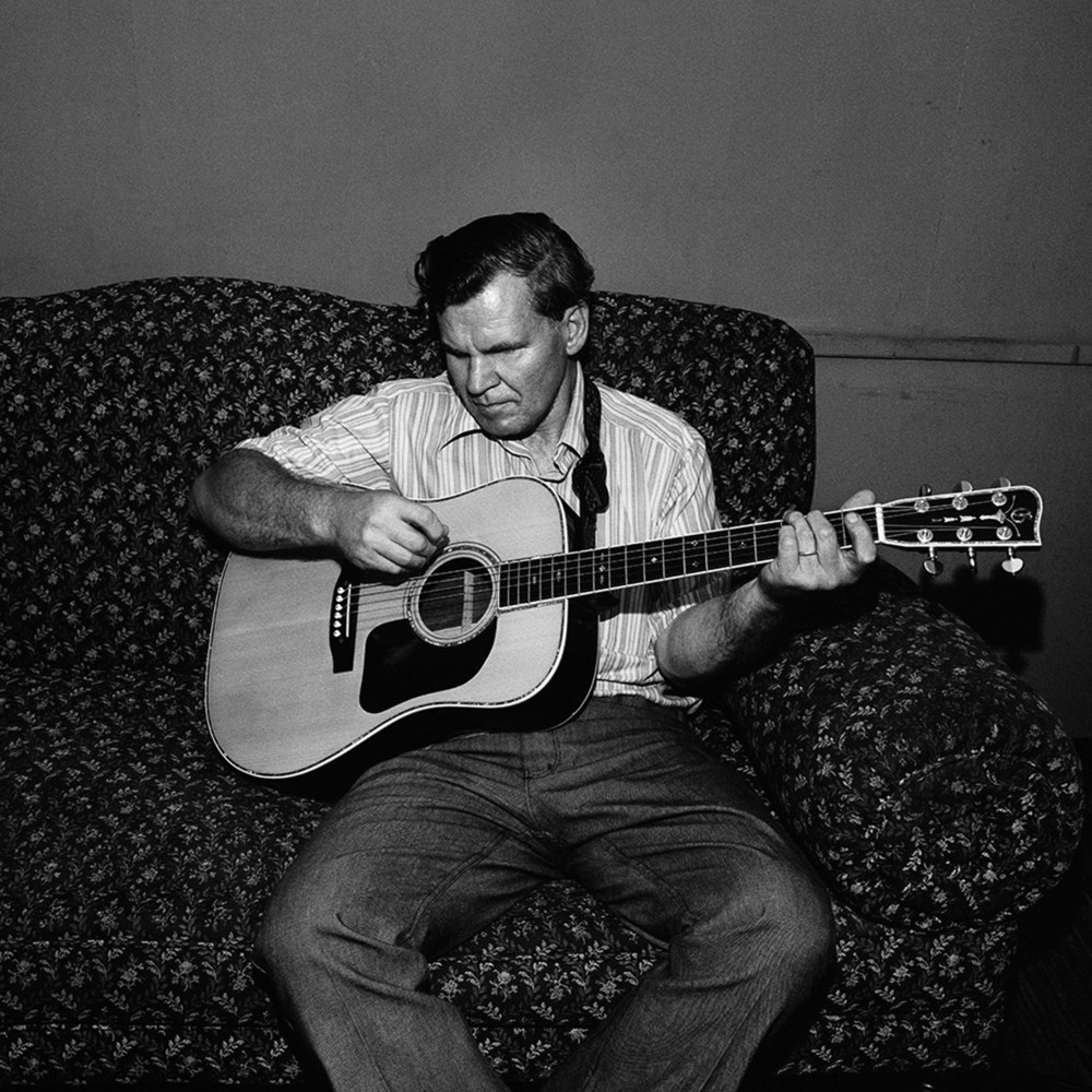 Doc Watson, Backstage at Paradise Club, Cambridge, MA 1974