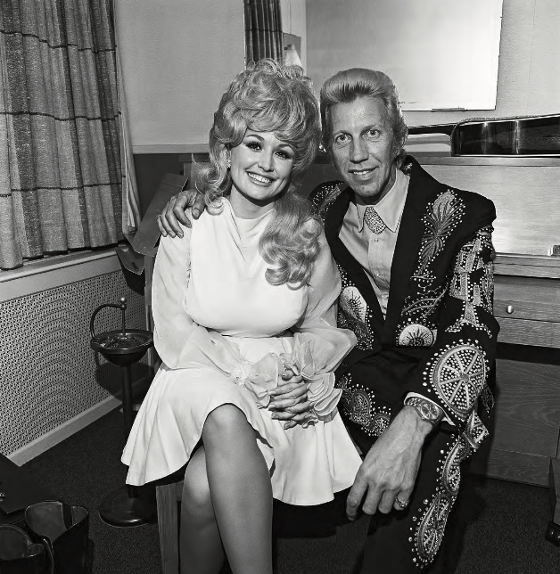 Dolly Parton and Porter Wagoner, Symphony Hall, Boston, Massachusetts , 1972