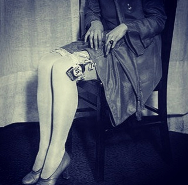 Flapper garter flask.jpg