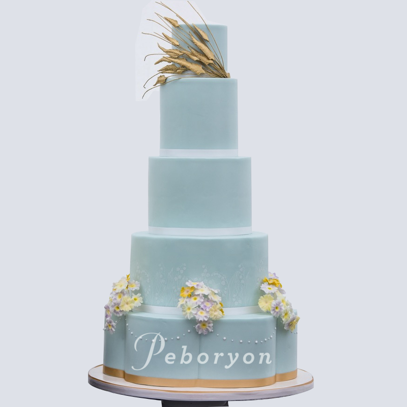 2018-Peboryon-Cornwall-London-Luxury-Wedding-Cake-Fowey-Hall-Camilla-Duchess-of-cornwall-sugar-flowers-award-winning-full-cake.jpg