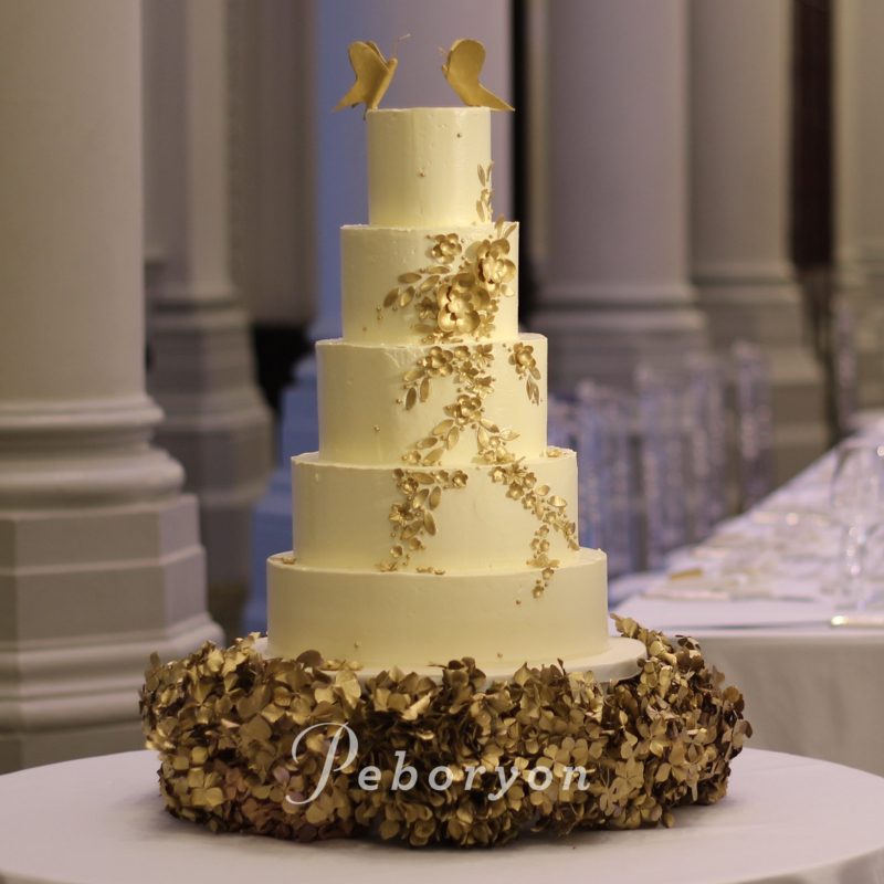 2018-Peboryon-Cornwall-London-Luxury-Wedding-Cake-Langham-Hotel-Buttercream-Gold-Extreme-Cake-Makers-Channel-4.jpg