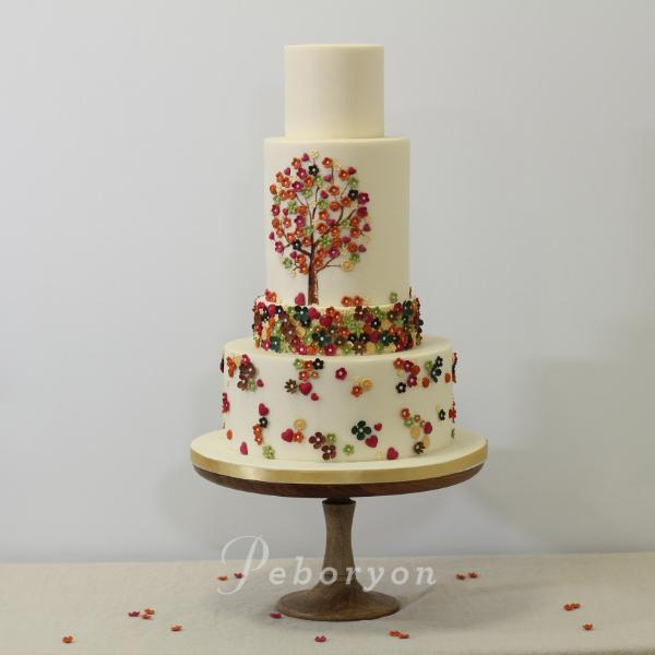 phil_jensen_christine_jensen_peboryon_cornwall_wedding_cake_tree_fowery_hall.png