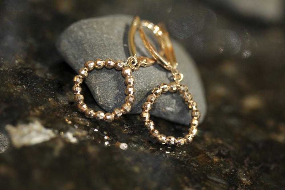 14k gold diamond cut bead earrings