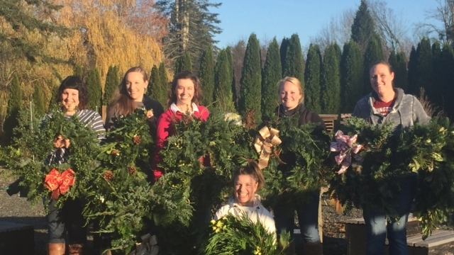 wreath making group 2016