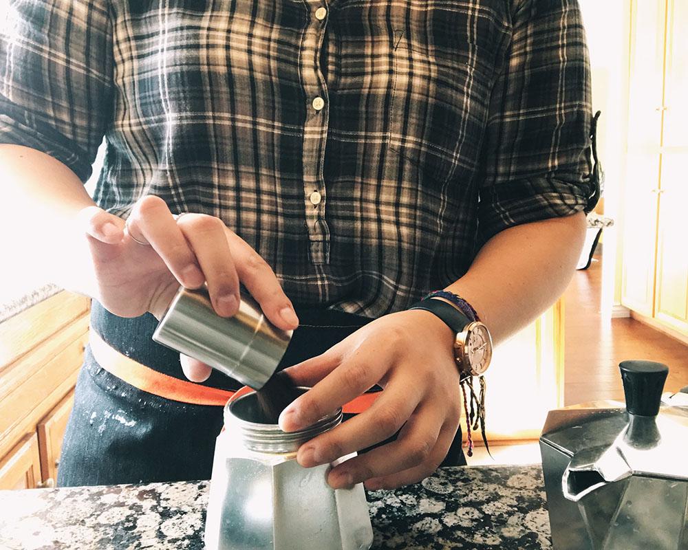self-coffee-bialetti-03.jpg
